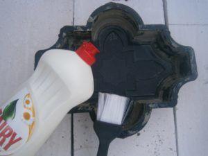 Мыльный раствор для смазки формы