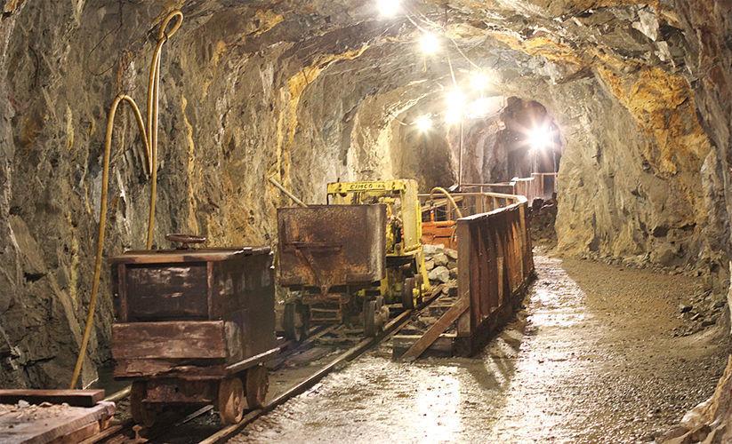 Китай экстренно скупает золото и готовится к экономической войне против США