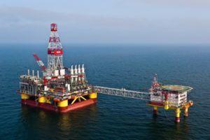 Фонтанная добыча нефти в океане
