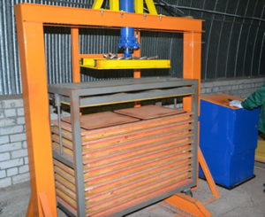 Мини пресс для производство плитки из резиновой крошки