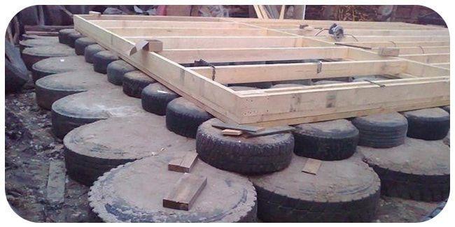Фундамент для туалета из покрышек
