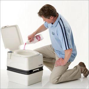Заправка жидкости в биотуалет