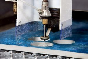 Гидроабразивный станок для резки металла