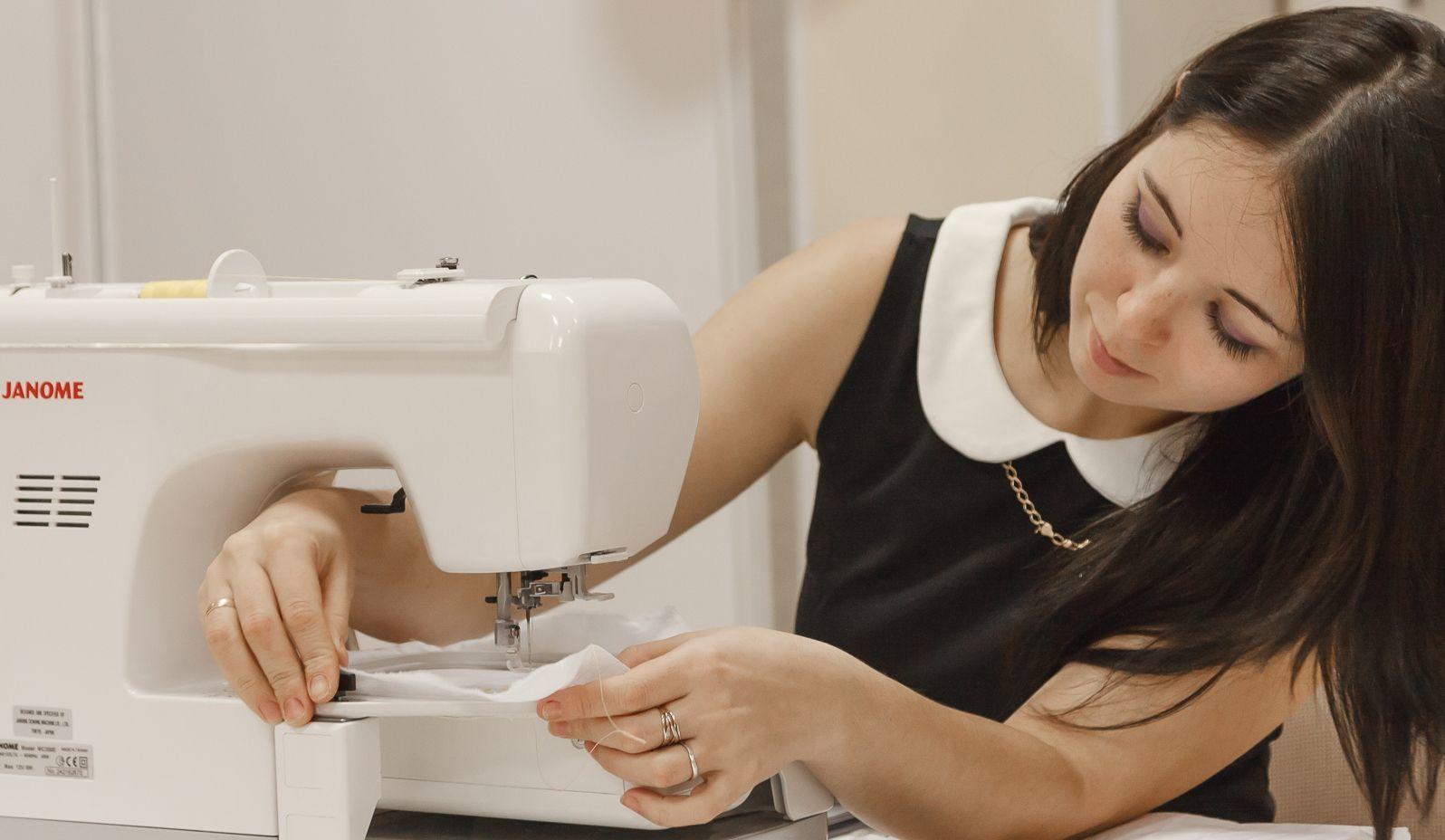 Работа на швейной машинке