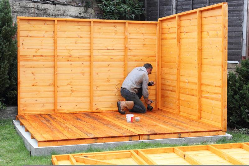 Строительство хозблока с деревянными полами