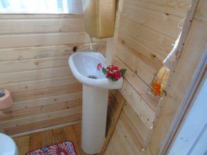 Внутреннее оформление туалета на даче