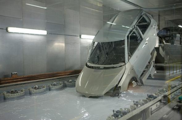 Гальванический способ цинкования - это погружение металлической конструкции в специальные ванны