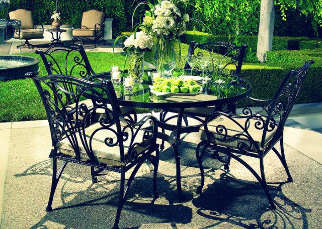 Изделия из металла для дачного домика отлично украсят ваш двор
