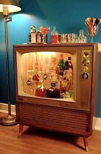 Со старого телевизора можно сделать декоративную мебель