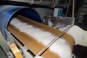 Изображение - Оборудование для производства сахара lenta-prosushki-saharnogo-peska-300x200