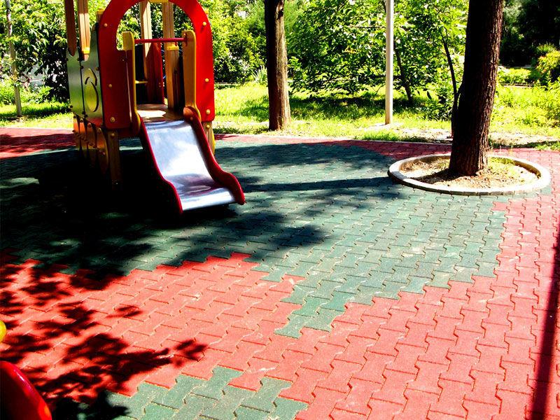 Резиновая брусчатка для детских площадок