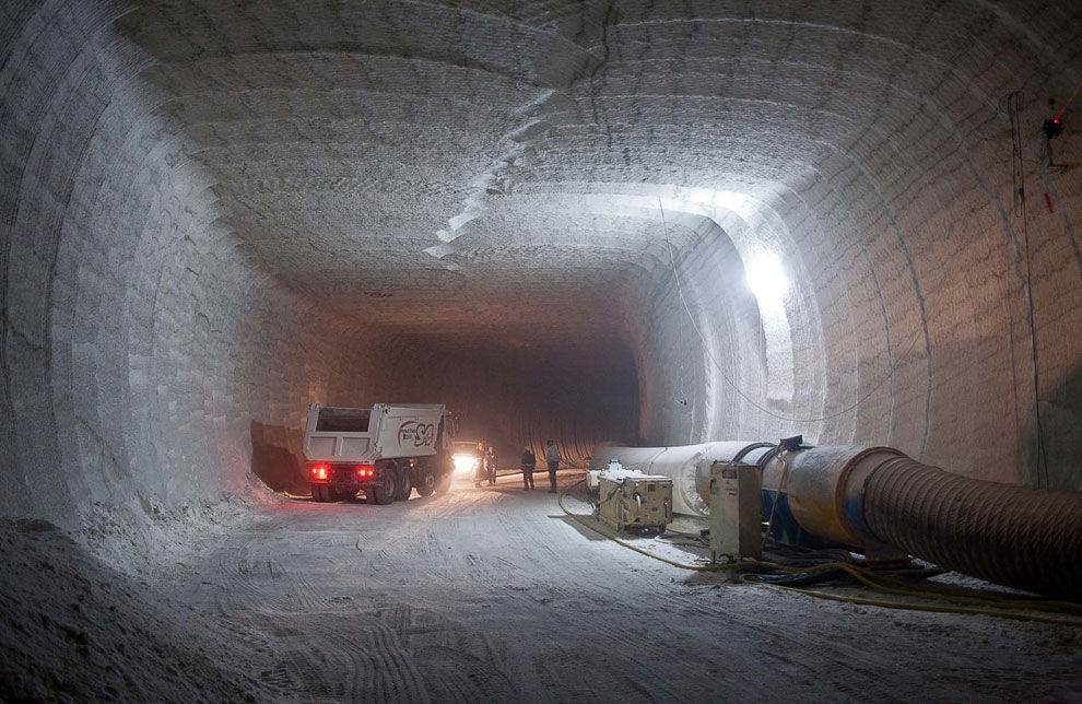 Соляные шахты находятся на глубине до 600 метров