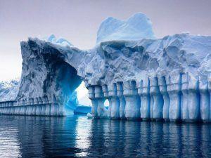 Ледники и айсберги также являются водными ресурсами