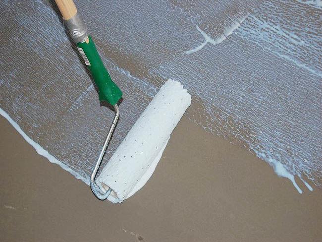 Грунтовка бетонных и кирпичных поверхностей необходима перед заливкой 3D пола