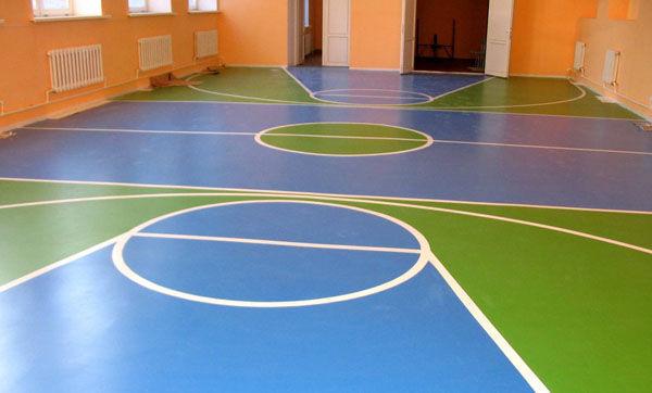 Полиуретановый наливной пол за счет своей эластичности травмобезопасны на игровых площадках